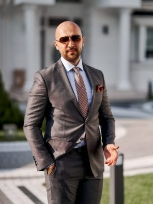 Costum-Office-Gri-Single-Breasted-Costume-Elegante-Barbatesti-Magazin-Costume-In-Cluj-Napoca-Gentlemen's-Boutique-Gold-