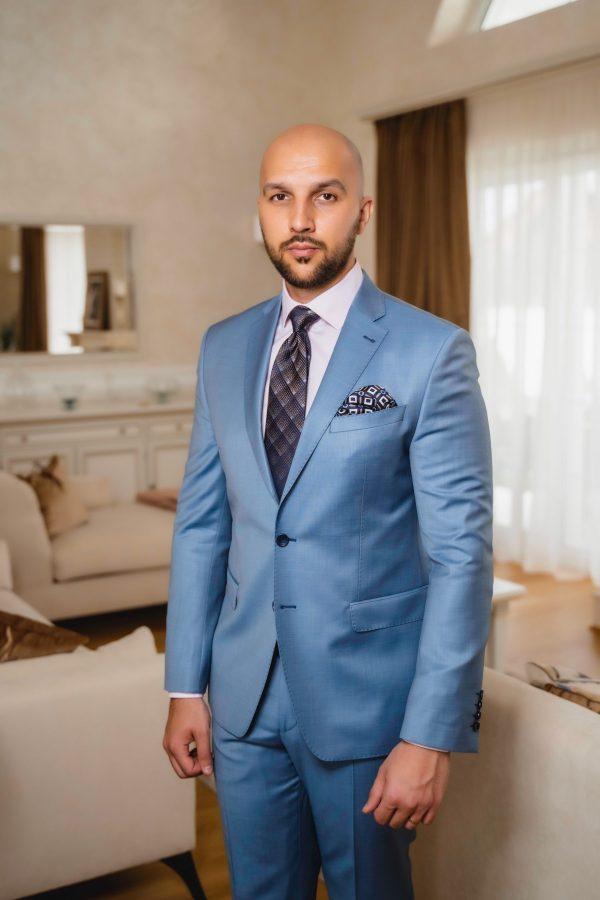 Costum-Single-Breasted-Bleu-Ciel-Costume-Business-Magazin-Costume-Barbati-In-Cluj-Gentlemen's-Boutique-Gold-