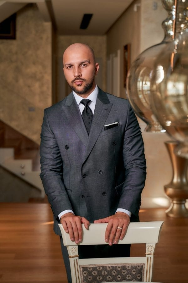 Costum-Elegant-Double-Breasted-Gri-Costume-Business-Magazin-Costume-Barbati-Cluj-Napoca-Gentlemen's-Boutique-