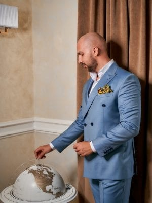 Costum-Bleu-Double-Breasted-Costume-Elegante-Costume-Casual-Magazin-Costume-Barbati-Cluj-Napoca-Gentlemen's-Boutique-