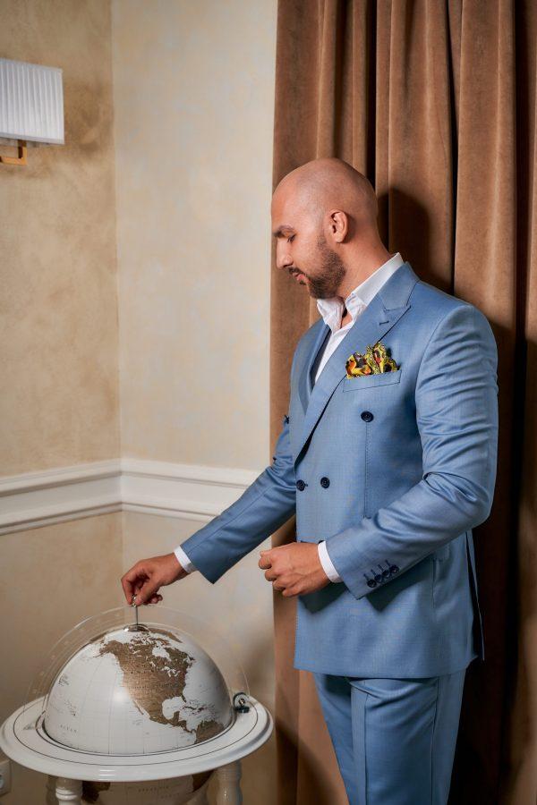 Costum-Bleu-Double-Breasted-Costume-Elegante-Costume-Casual-Magazin-Costume-Barbati-Cluj-Napoca-Gentlemen's-Boutique-