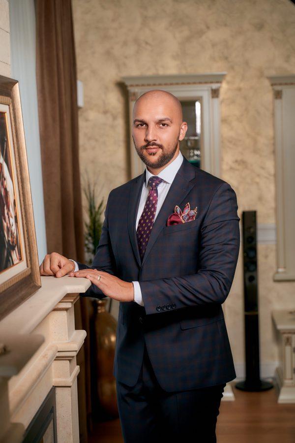 Costum-Bleumarin-Single-Breasted-In-Carouri-Bordeaux-Costume-Business-Magazin-Costume-Barbati-Cluj-Gentlemens-Boutique-Gold-